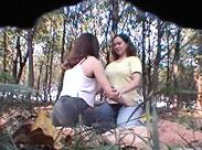 Lesbenfotzen im Wald