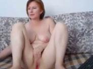 Muttern masturbiert