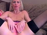 Falscher Pornoagent fickt junge Blondine durch