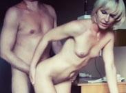 Mann dreht Porno mit seiner Frau im Hotel